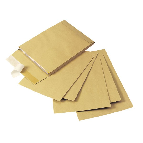 Q-Connect Peel And Seal Manilla Gusset Envelopes 305x254x25mm KF3526 - Gusset Envelopes Ireland